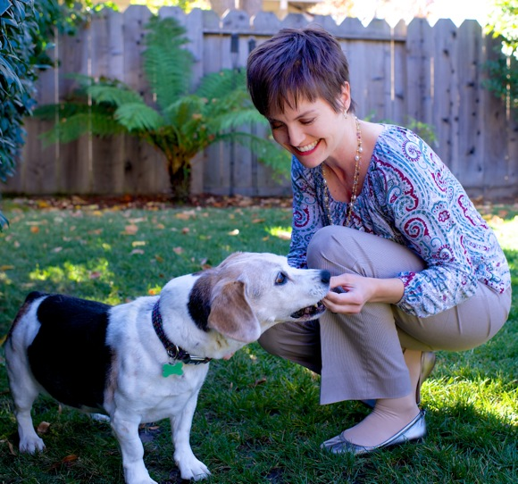 Elena Battles brings dogs and owners together through Wagaroo.com