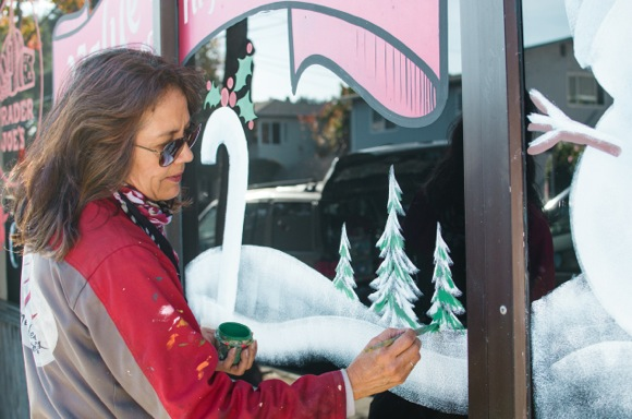 Post image for Spotted: Melissa deSigns painting Trader Joe's store windows for the holidays