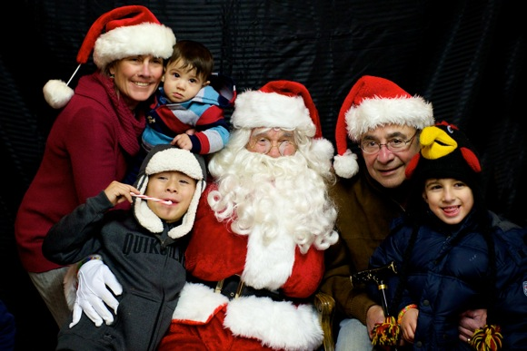 Santa Claus makes multiple appearances in Menlo Park over the weekend