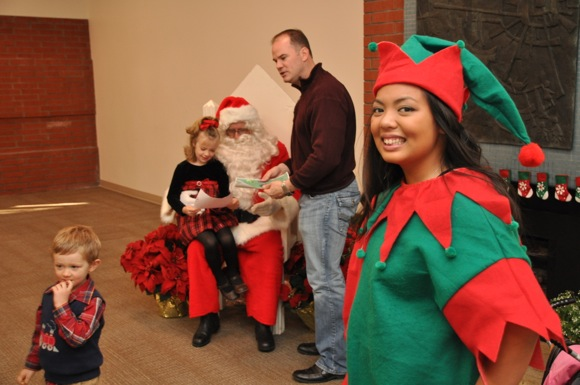 Post image for Menlo Park is chock-a-block with holiday events the weekend of Dec.6-8