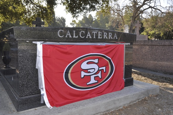 Post image for 49er fan's fervor lives on with tombstone proclamation at Menlo Park cemetery