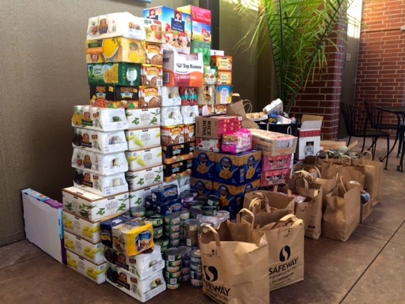 Post image for Masters Swimmers donate food, money to Menlo Park lunch program for seniors