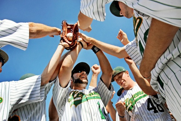 Post image for Menlo Park Legends baseball team recruiting host families for upcoming season