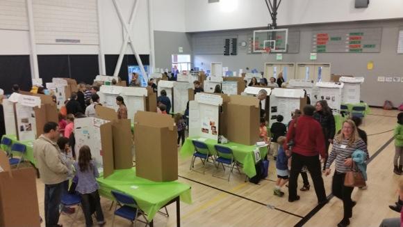 Encinal School adds science fair to family fun night