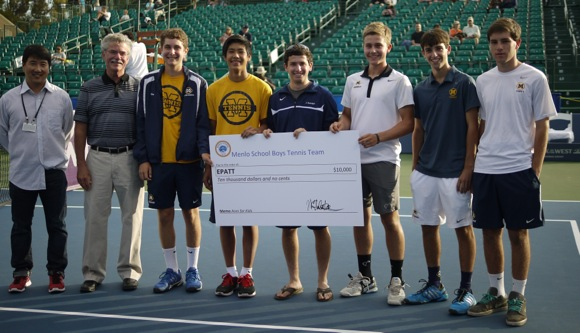 Post image for Menlo School boys' tennis team donates $10,000 to East Palo Alto Tennis and Tutoring