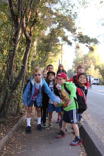 Laurel walk to school kids_vert