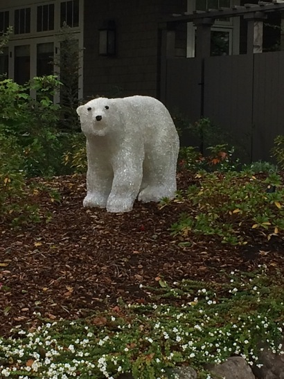 Post image for Spotted: Polar bear in Menlo Park