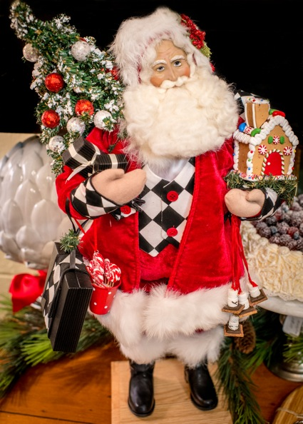 Quintessance holiday decor  is on sale – for the very last time
