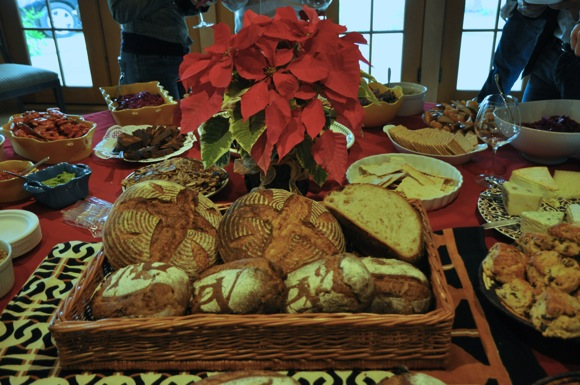 Post image for Festive table welcomes Portola Vineyard members