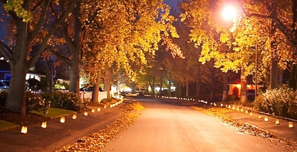 Luminarias light up Menlo Park streets thanks to Jim Schott and his neighbors