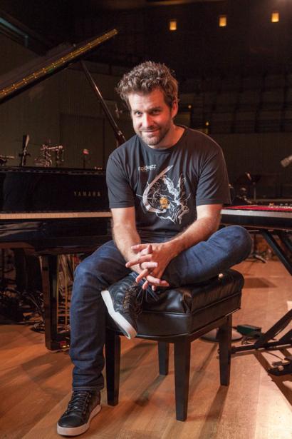 World traveling, Grammy-nominated jazz pianist Taylor Eigsti calls Menlo Park his hometown