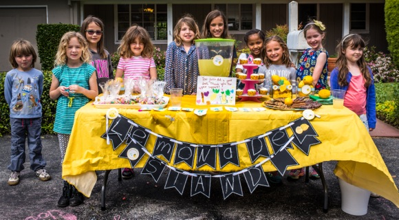 Post image for Girls host a lemonade stand in Menlo Park to raise money for Ruby's Place