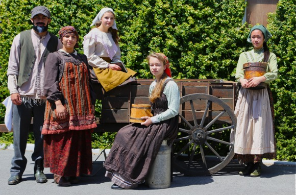 Menlo School stages Fiddler on the Roof