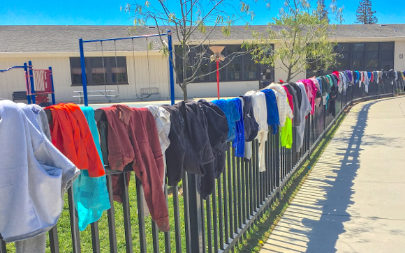 Post image for Spotted: Rainbow of colors on Oak Knoll School fence
