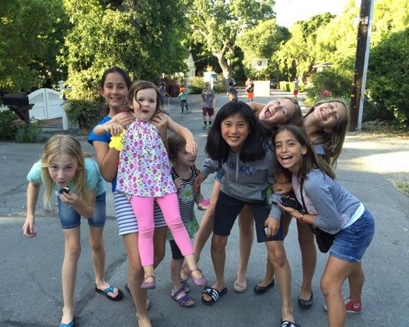 Post image for Friday Frolics heralds the start of outdoor fun in Menlo Park's University Park neighborhood