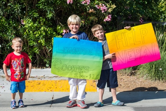 Post image for Menlo Park boys sell lemonade and cookies to support Big Cats and Nepal