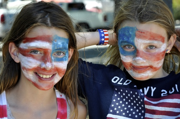 Post image for Menlo Park celebrates 4th of July with parade and festivities at Burgess Park