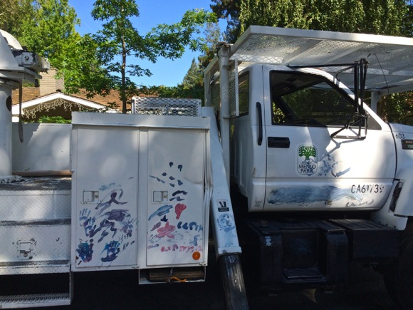 Post image for Spotted: Menlo Park city truck with festive paint job