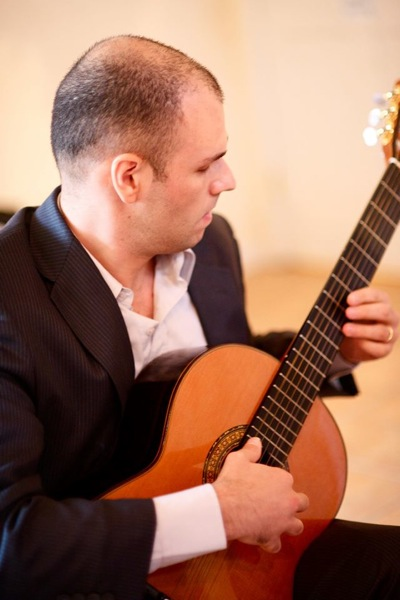 Post image for Menlo Park Library to host Argentine guitarist Carlos Pavan on September 9