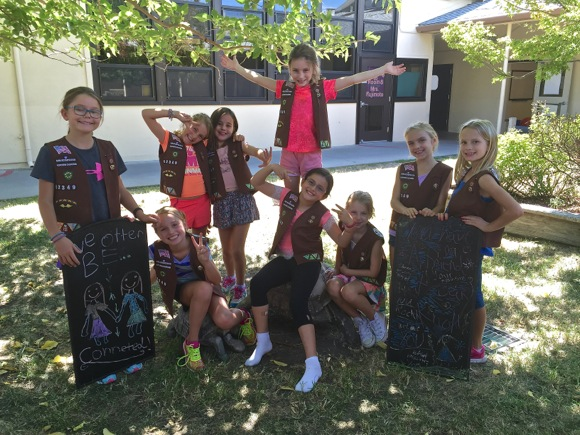 Post image for Chalkboard traffic signs near Oak Knoll School are proliferating thanks to Brownie Troop