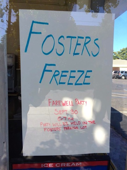 Foster's Freeze closing sign