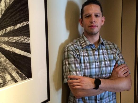 Post image for Peninsula College Fund alumnus Luis Pimentel pursues career in biotech