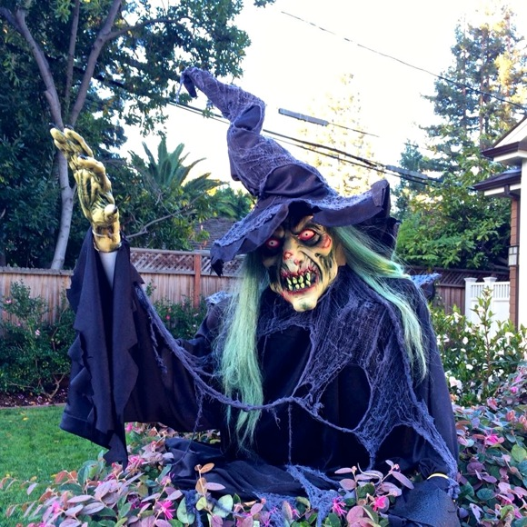 Halloween is frightful on the streets of Menlo Park