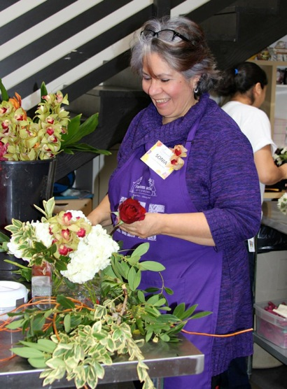 Post image for Sonia Sosa's lifelong passion for flowers leads to volunteering at Random Acts of Flowers