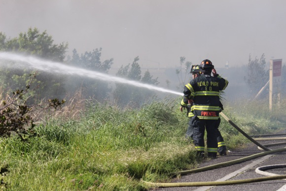 "Post image for Thirteen-acre grass fire in Menlo Park on Monday being investigated as ""suspicious"""