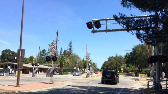 Community meetings planned to get input on Ravenswood Avenue railroad crossing