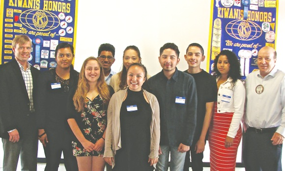 Post image for Menlo Park Kiwanis Club awards $41,000 in scholarships to M-A graduating seniors