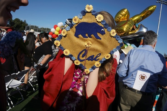 Post image for Spotted: Happy seniors at Menlo-Atherton High School graduation ceremony