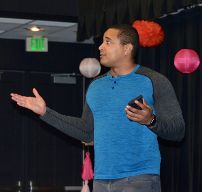 Retired NFL player Jonathan Martin talks to Peninsula Bridge kids at Menlo School