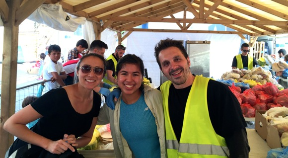 Post image for Menlo School student and Eastside College Prep teacher travel to refugee camps in Greece