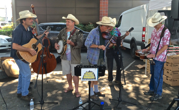 Sights and sounds on an August Sunday in downtown Menlo Park
