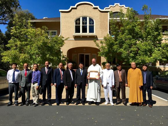 Post image for Delegation from Vietnam visits Menlo Park to discuss religious freedom