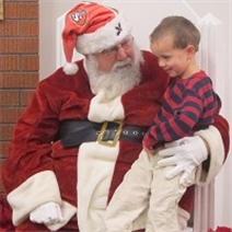 Post image for Join Santa for breakfast in Menlo Park on Saturday, December 3