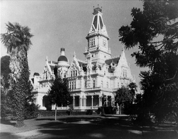 Great estates of the Peninsula is topic of recent talk sponsored by the Menlo Park Historical Association