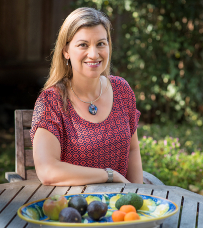 Italy travel expert Madeline Jhawar speaking at The Applebee Preschool on Nov. 7