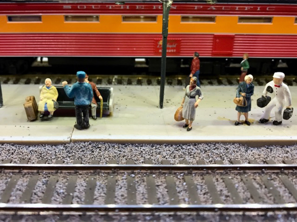 people-on-train-platform_wbmra-1