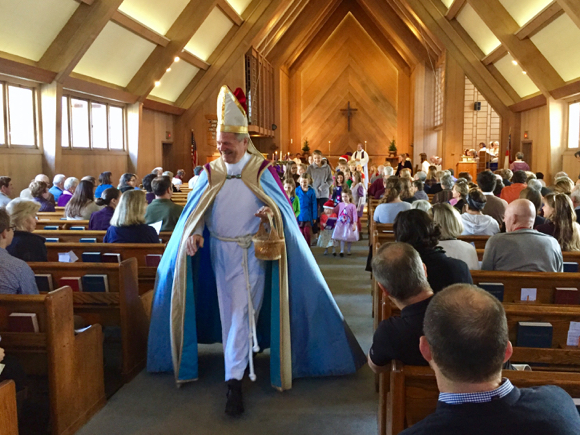 Post image for Spotted: Yes, that's St. Nicholas at Trinity Church in Menlo Park