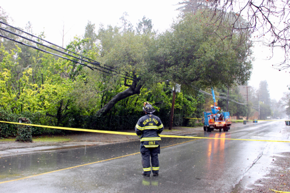 Post image for Menlo Fire stays busy during recent series of winter storms that brought rain and wind