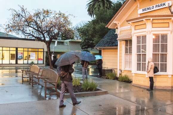 Post image for Drenching rain, blustery wind – all part of the storm pounding Menlo Park
