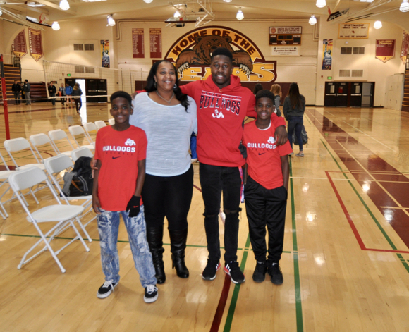 Jordan Mims and family_letter of intent day - 1