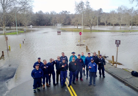 Post image for Potential flooding in state keeps Menlo Park Fire Districts Swift Water Rescue Team in demand