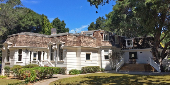 Post image for Junior League of Palo Alto•Mid Peninsula hosts historic Barron-Latham-Hopkins Gatehouse tours