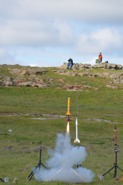 Menlo-Atherton Bears advance to national finals of world's largest rocket contest