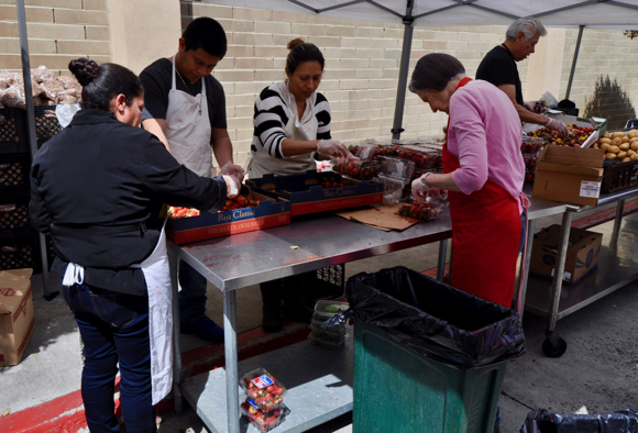 Menlo Park Kiwanis Club makes donations to three local charities.