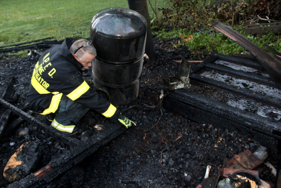Post image for Atherton shed fire quickly extinguished, causes estimated $6,000 damage