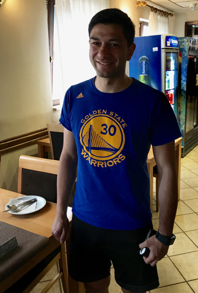 Post image for Spotted: Warriors Steph Curry t-shirt in a most unusual place